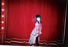 Salida del escenario, Lola LLoberas