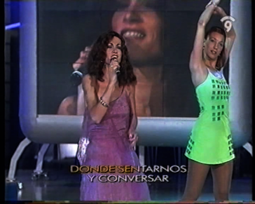 acompañamiento a los artistas en el programa Cantar.es de Canal9